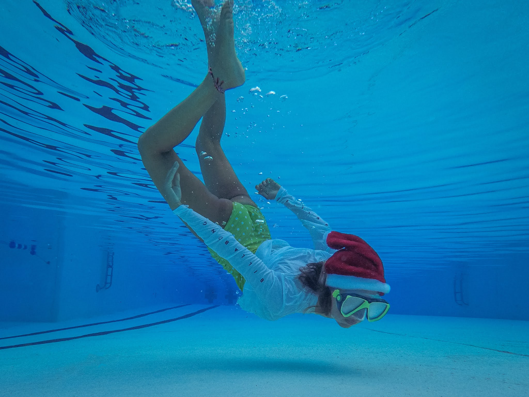 Underwater Christmas Card Photos