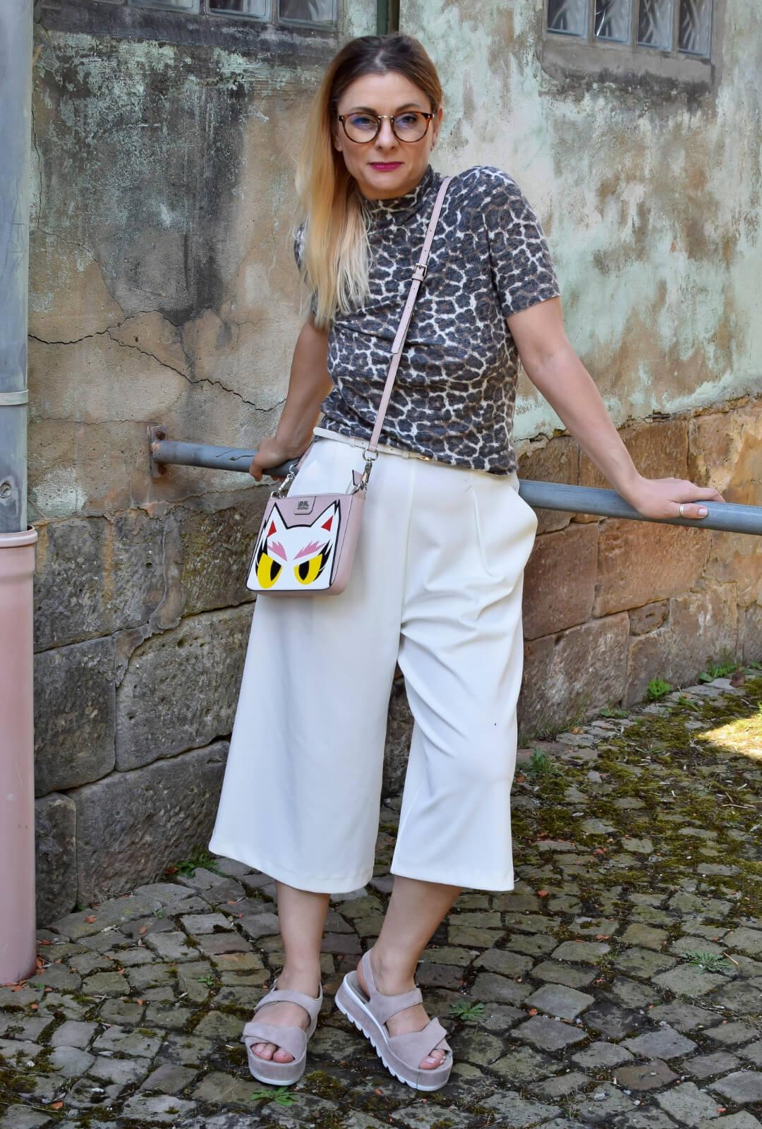 Weisse-Culotte-kombinieren-Outfit