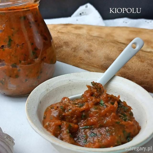 Kiopolu - bułgarska pasta z bakłażana, papryki, pomidorów