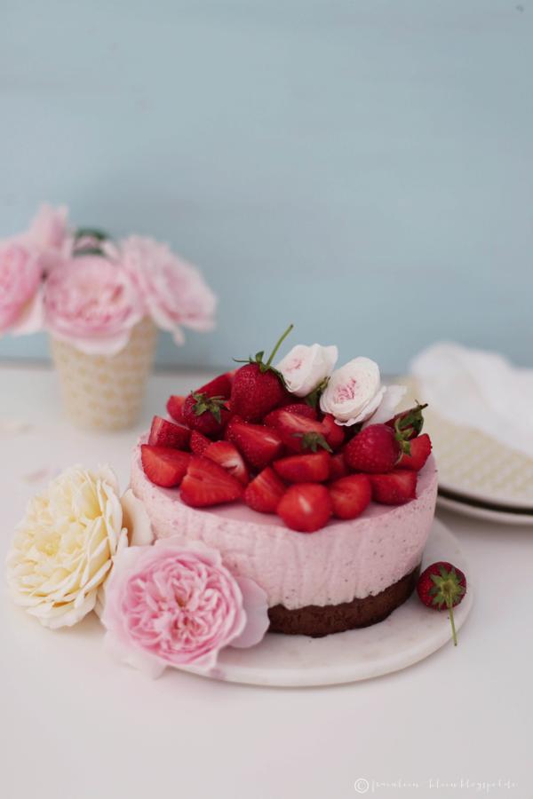 griechischer joghurt mit erdbeeren