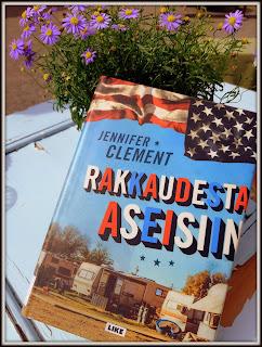 http://villasukkakirjahyllyssa.blogspot.com/2019/07/jennifer-clement-rakkaudesta-aseisiin.html