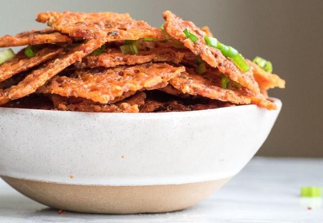 Keto Cheese Bacon Nachos #lowcarb #snacks