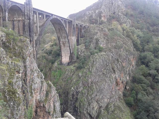 Puente de Gundián en Vedra