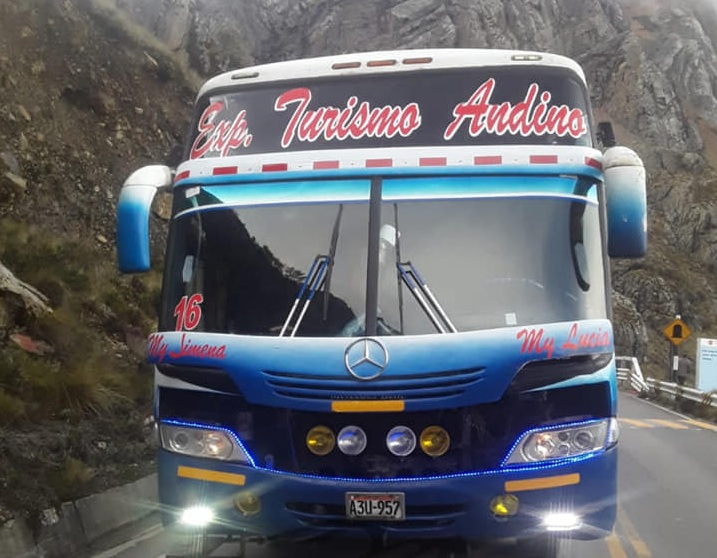 Ancash | Sujetos armados asaltan bus de la empresa Turismo Andino