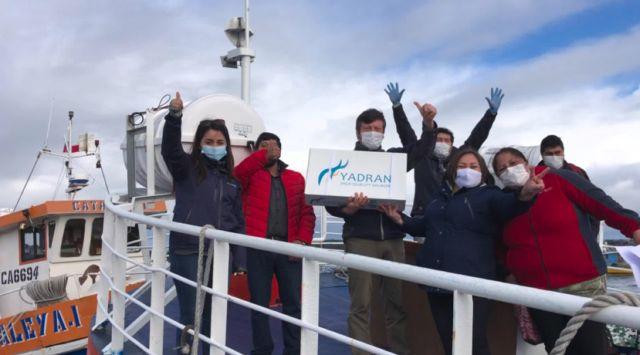 Donan salmón y alimentos a vecinos de la tercera edad en Isla Cailín