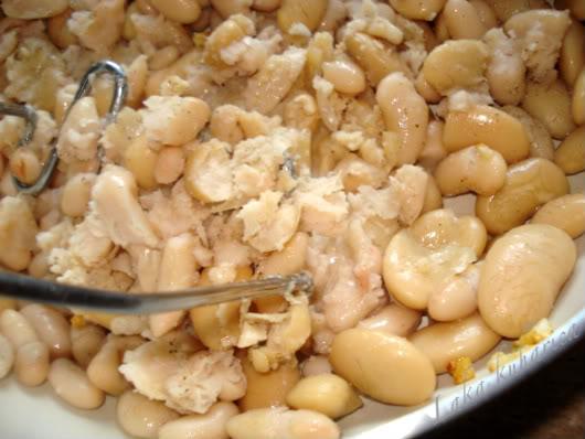 mashed cannelini beans