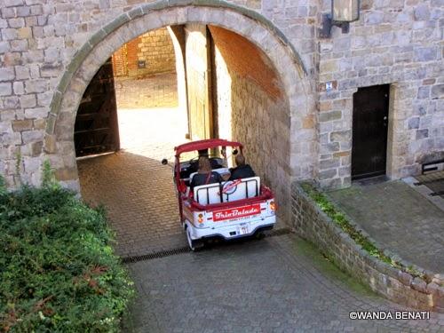 Mons, speciale mezzo di trasposto per turisti