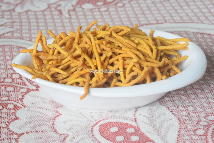 Gujarati Ghatiya / Sev Recipe - गुजराती गांठिया / सेव रेसिपी - Priya R - Magic of Indian Rasoi