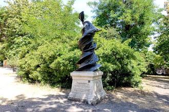 Paris : Monument à François Arago, l'hommage du plasticien Wim Delvoye à l'homme de science - XIVème