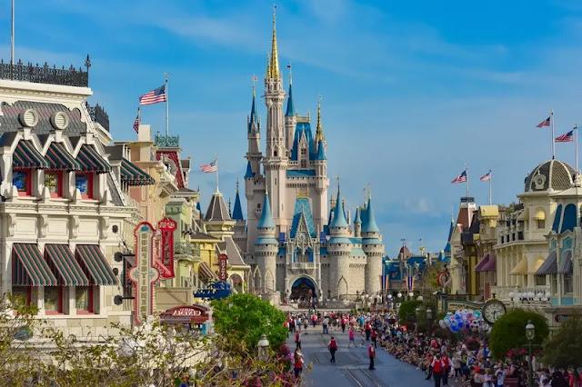 Disneyland and Universal Studios los angeles usa