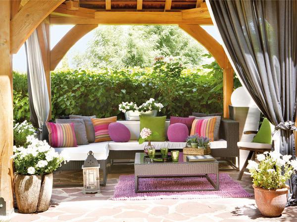 Alpendre de madeira decora o f cil for Decorar un porche con plantas