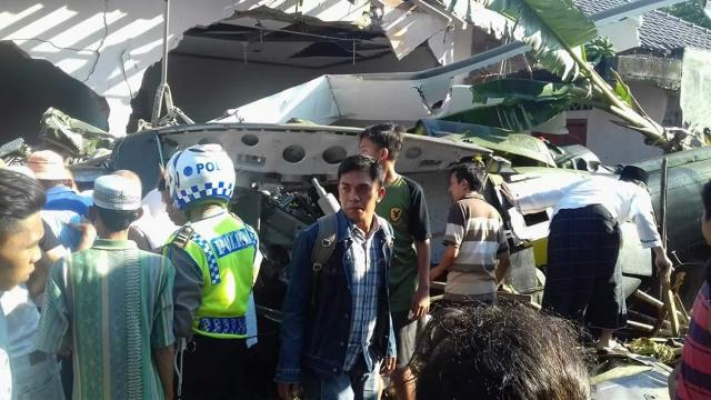 Kronologi Jatuhnya Helikopter TNI-AD Sebelum Jatuh Menimpa  Rumah Warga Dan Menewaskan  Awaknya