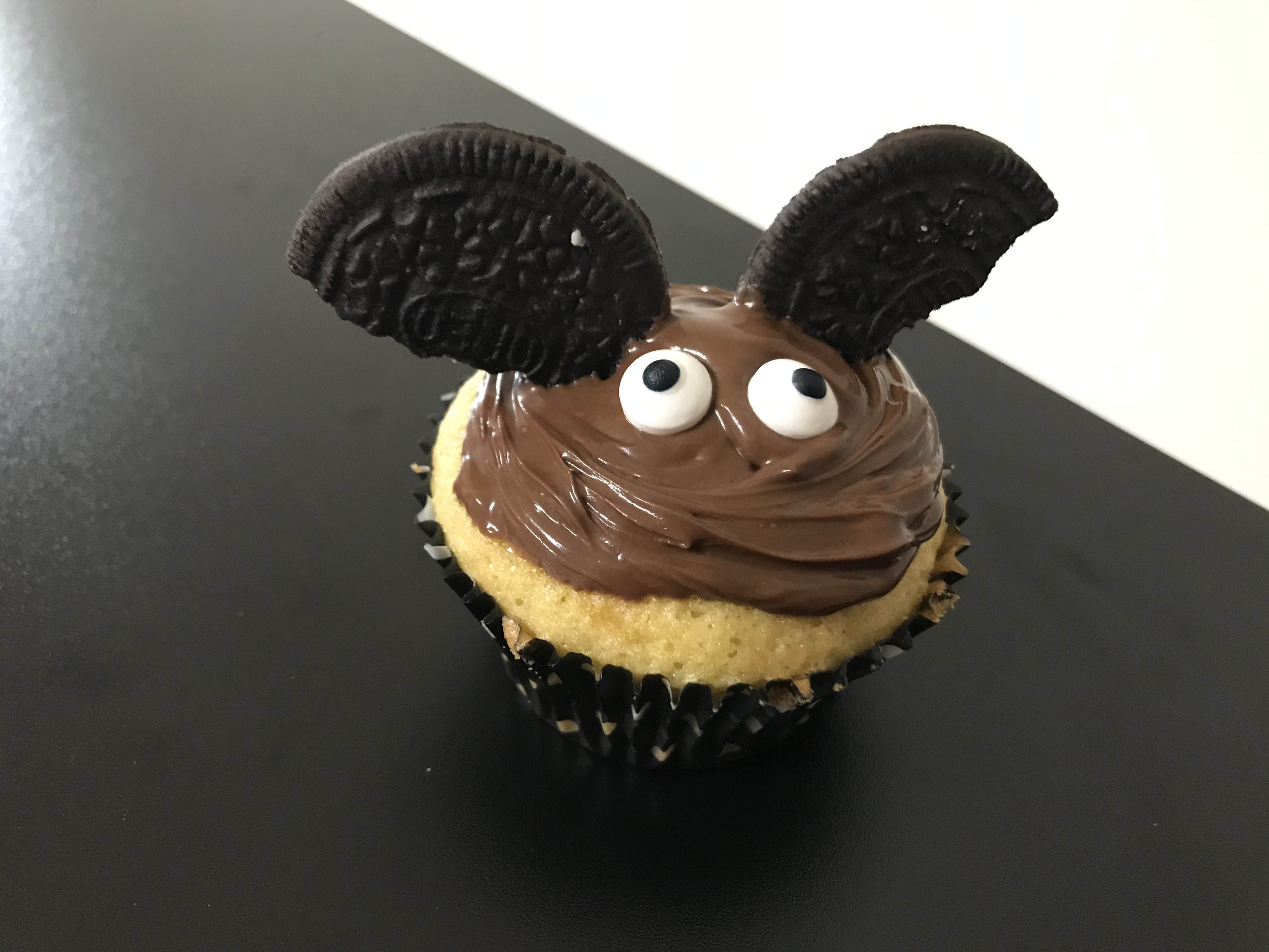 Bat Halloween Cupcake