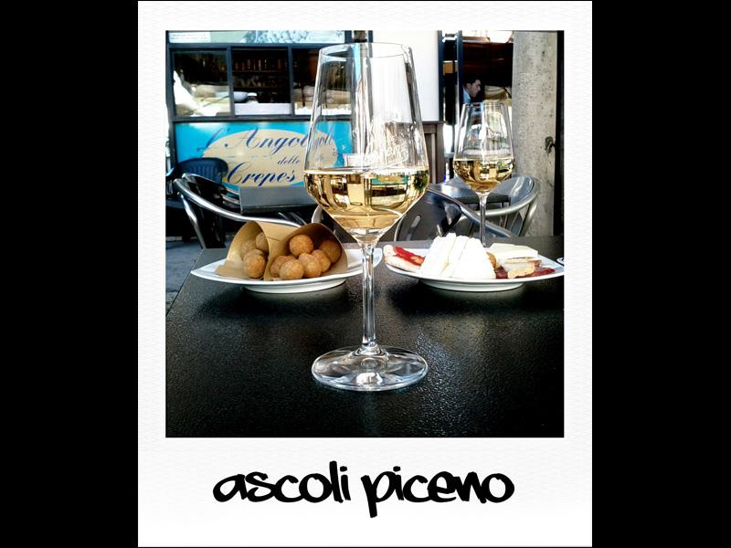 Aperitivo con olive ascolane ad Ascoli Piceno