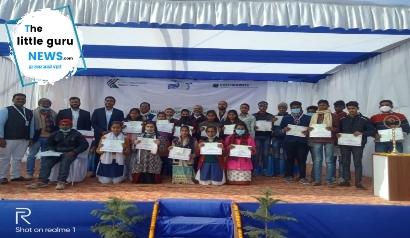 एनएचएआई ने किया छात्रों के बीच छात्रवृत्ति का वितरण
