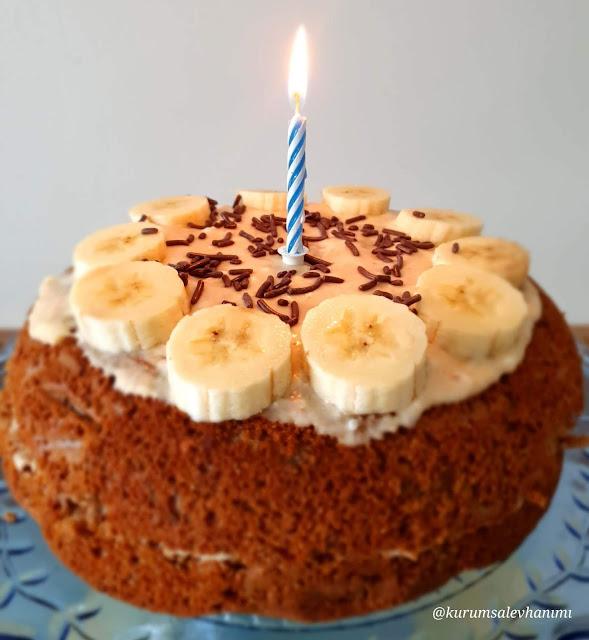 Ak Darı Unlu Şekersiz Doğum Günü Pastası
