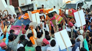 पूर्व मुख्यमंत्री अखिलेश यादव का सपाजनों ने किया स्वागत  | #NayaSaberaNetwork