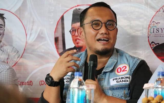 "Jas Prabowo-Sandi 'Disleding' Baju Putih, Dahnil Balas Jokowi, ""Mikir..Mikir..Baca..Baca"""