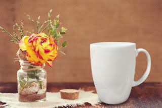 Κατασκευάστε ένα εναλλακτικό δώρο για τις γιορτές  με μια απλή κούπα