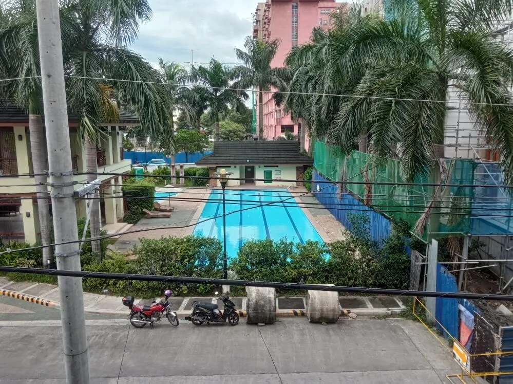 Xiaomi Redmi 9 Camera Sample - Day, Pool, HDR