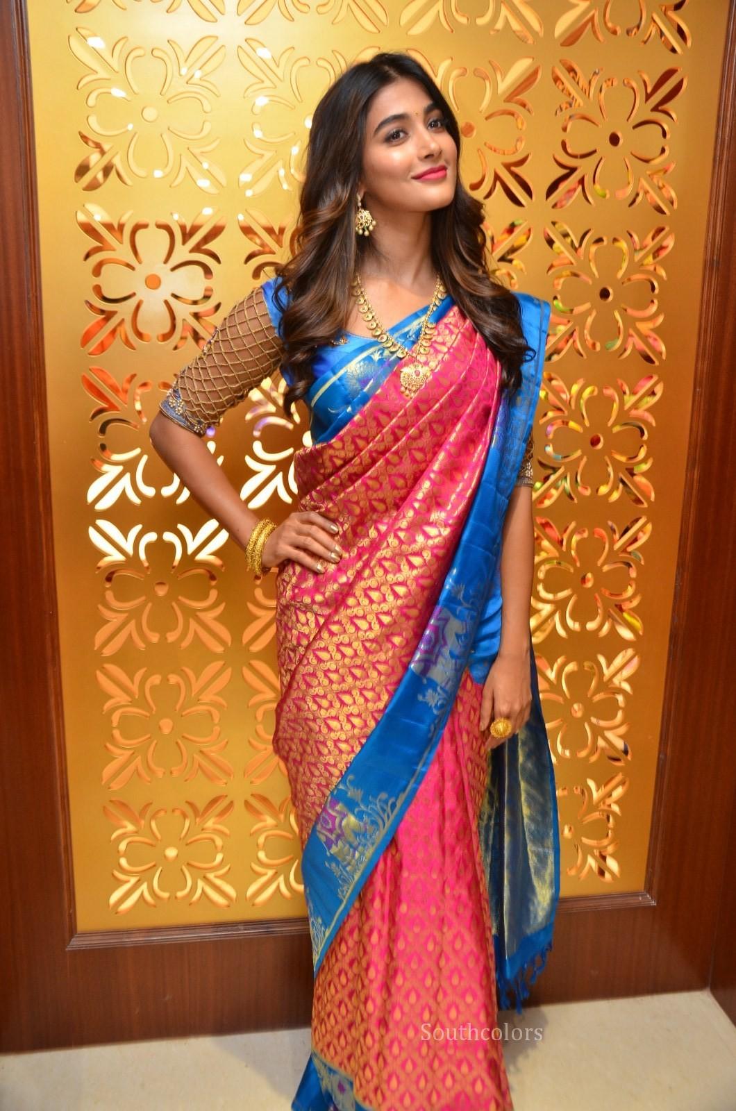 Pooja Hegde Traditional Saree Photos At Anutex Shopping -8197