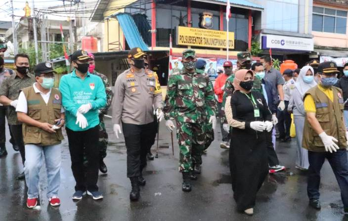 Tinjau Pelaksanaan New Normal, Dandim 0315/Bintan Datangi Pasar Baru Tanjungpinang