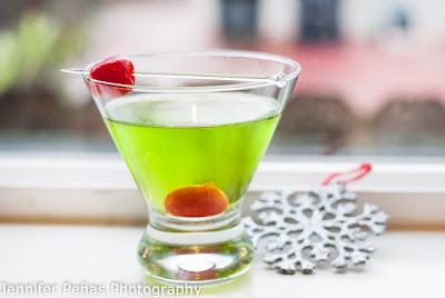Elf Cocktail, Midori, melon liqueur, citrus vodka, white cranberry juice, christmas cocktail