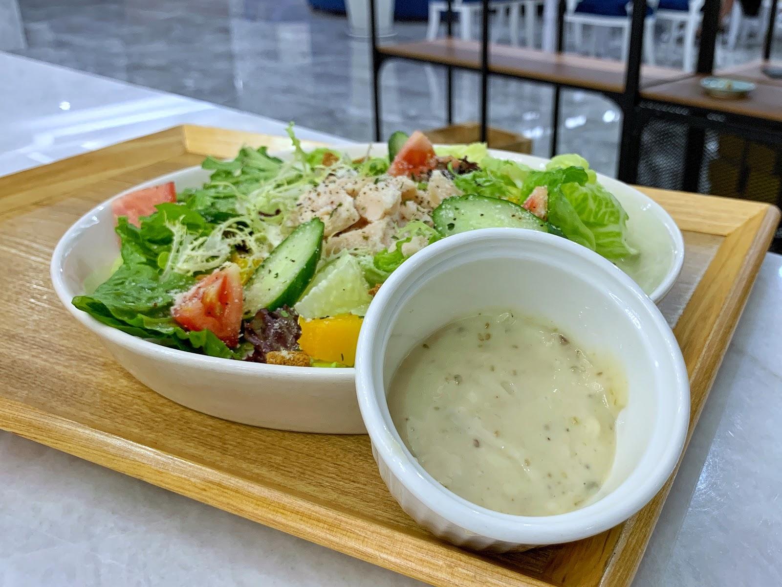 台南美食三皇三家金華店凱薩雞肉沙拉