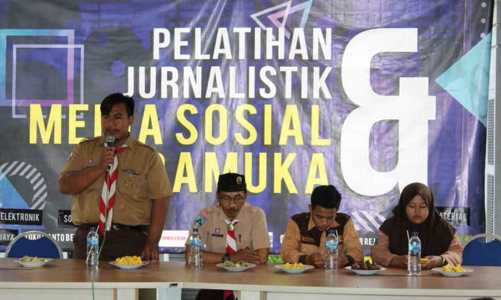Pelatihan jurnalistik pramuka