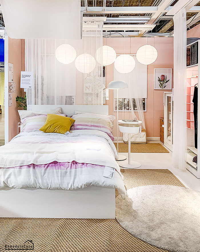 White bedroom for a young lady