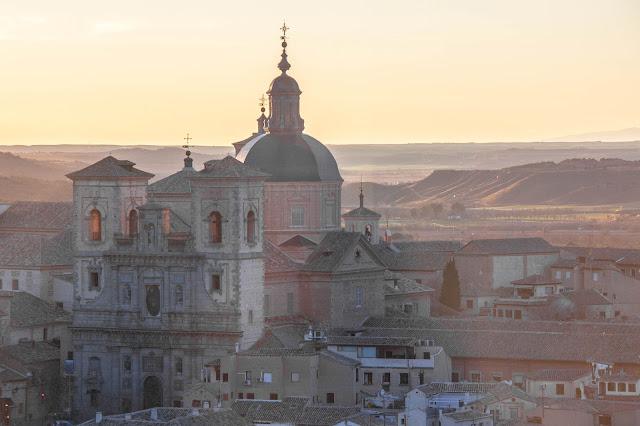 Iglesia de San Ildenfonso, vista do Alcázar de Toledo, na Espanha