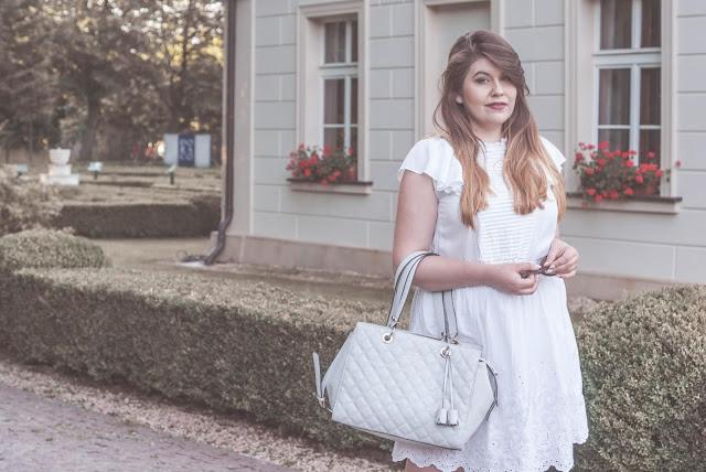 Sukienka na lato biała