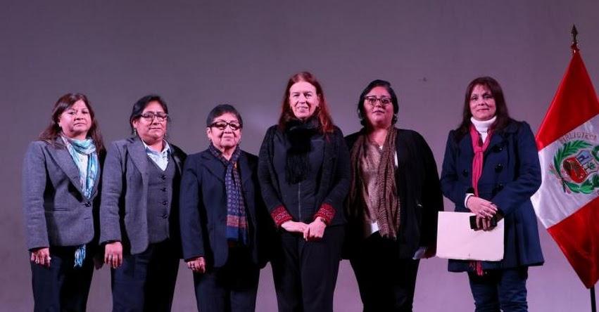 ROSA MARÍA MERINO LAYME: Nueva jefa de Biblioteca Pública de Lima asume el cargo (R. J. Nº 059-2018-BNP) www.bnp.gob.pe