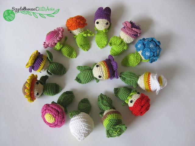 Małe szydełkowe kwiatki - Czytaj więcej »