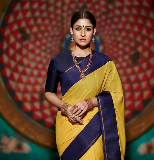 Nayanthara Hot Sexy Wallpaper In Saree