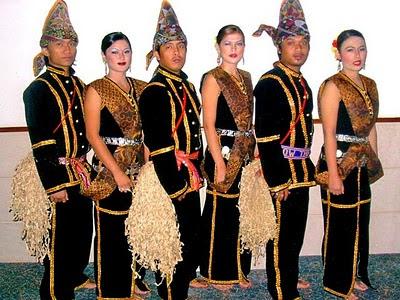 Jenis Pakaian Tradisional Orang Melayu