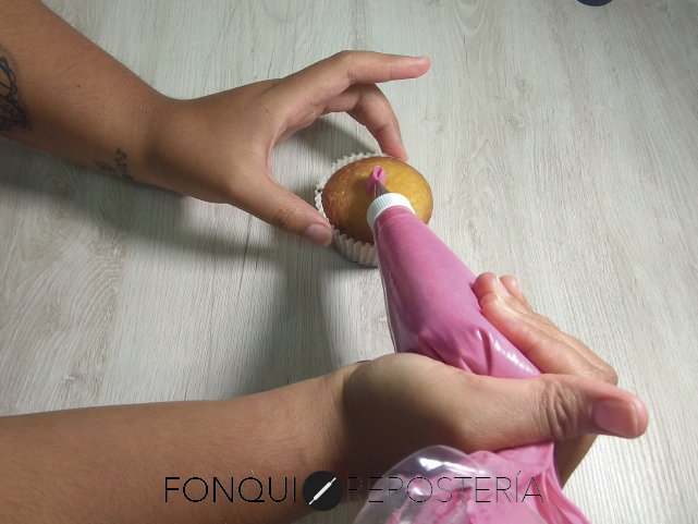 Decoración con boquilla 104 FonQui repostería