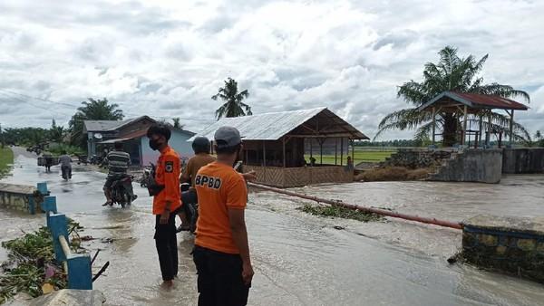 Banjir di Sumut, Ribuan Rumah Terendam-Ratusan Hektare Sawah Rusak