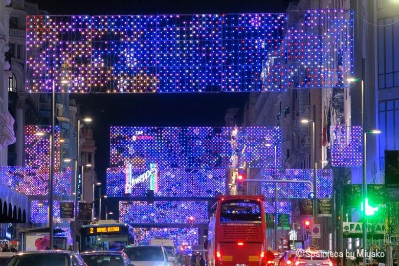 クリスマスイルミネーションが素敵なマドリードのグランビア通り