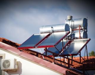 مزايا سخان المياه الشمسي - توفير نفقات وبيئة نظيفة