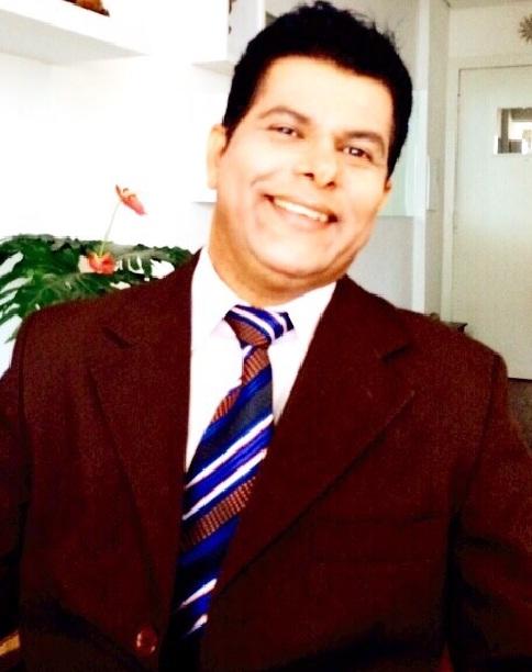Valdivino Alves de Sousa é um Matemático brasileiro nascido no Estado da (Bahia em 24 de Dezembro de 1973)