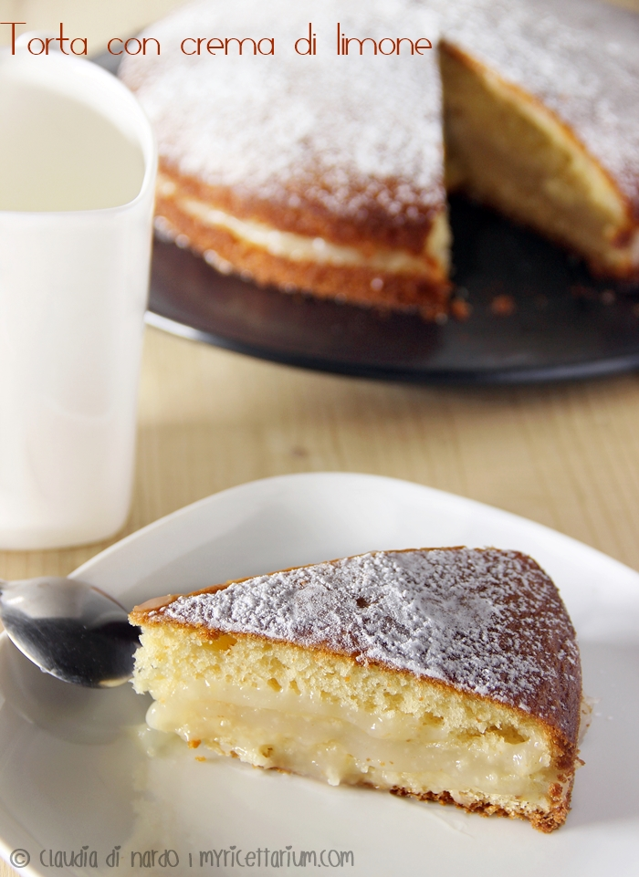 Torta con crema di limone all'acqua
