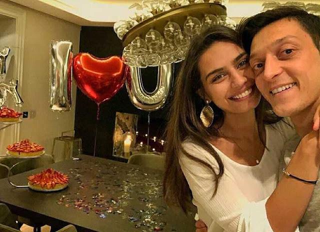 Vợ Mesut Ozil: Hoa hậu Thổ Nhĩ Kỳ, được tổng thống ưu ái