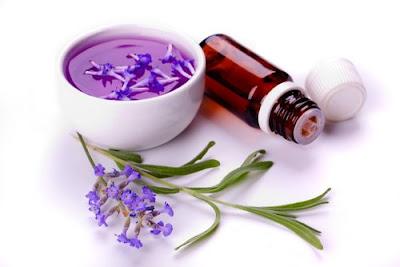 Remèdes à la maison pour la peau sèche autour des yeux