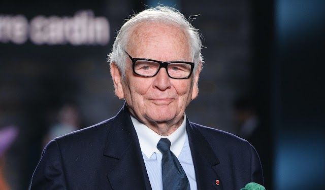 Fashion/Update : Pierre Cardin dies at 98