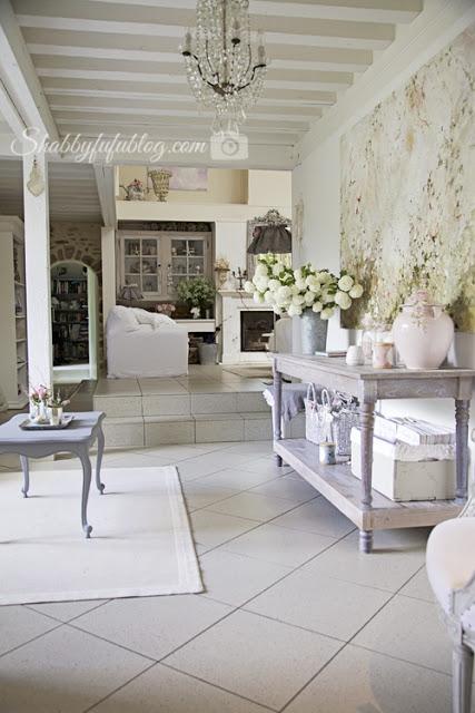 Building a farmhouse table and magnolia homes shabbyfufu for Magnolia farmhouse