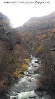 Vistas desde el puente medieval de Tavascán