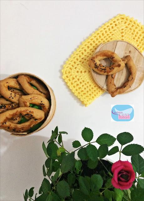 kıyır-kıyır-çatal-kurabiye, çatal-kurabiye-nasıl-yapılır, tuzlu-kurabiye-tarifi