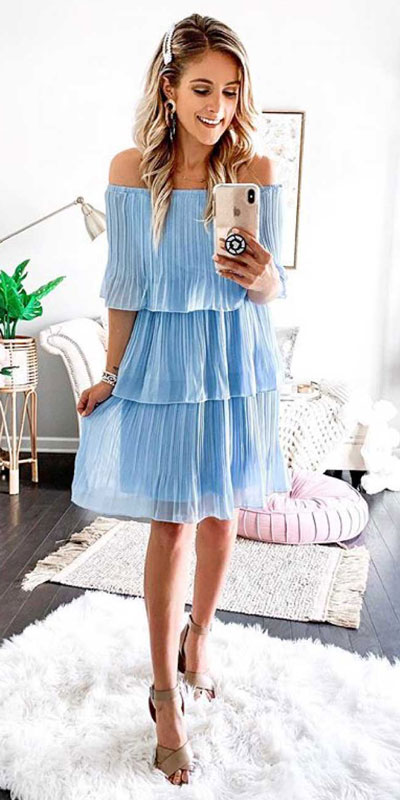 Searching for lightweight outfits to help you cooling off this summer? See 27 Must-have Everyday Summer Styles To Beat The Summer Heat. Summer Fashion via higiggle.com | mini dress | #summeroutfits #cool #summerstyle #minidress