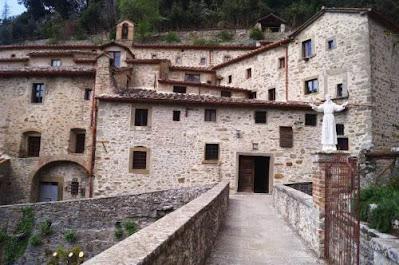 """Eremo Francescano """"Le Celle"""" (Cortona - Arezzo) Gite e vacanze in Toscana"""